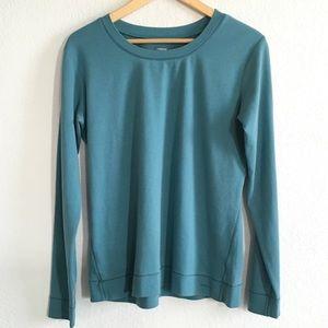 Patagonia women's crewneck shirt size large